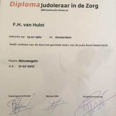 Ferry ontvangt diploma Judoleraar in de Zorg